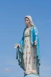 A Virgem Maria abençoada na frente de Roman Catholic Diocese, lugar público em Chanthaburi imagens de stock