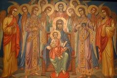 Virgem Maria com bebê Jesus e anjos fotografia de stock
