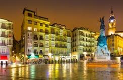 Virgen Blanca Square in avondtijd Vitoria-Gasteiz royalty-vrije stock afbeeldingen