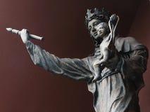 Virgen de la estatua de la misericordia Fotos de archivo
