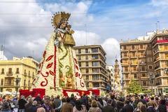 Virgen de los Desemparados i den Fallas festivalen på fyrkant av helgonet royaltyfri fotografi
