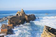 Virgen en el rocho de Biarritz Fotografía de archivo