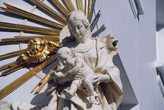 Virgen María con el niño, Amberes Imagen de archivo