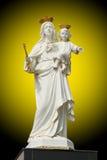 Virgen Maria con el bebé Jesús Imágenes de archivo libres de regalías