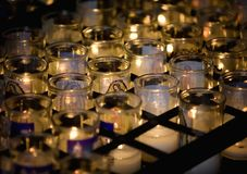 Virgen Mary Candle met anderen Royalty-vrije Stock Afbeeldingen