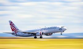 Virgin Austrália Airbus que descola de Sydney Fotos de Stock