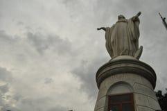 Virgin in Cerro San Cristobal in Santiago stock foto's