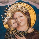 Virgin Mary με το μωρό Ιησούς στη βασιλική Αγίου Anthony μέσα Στοκ Εικόνες