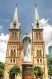 Virgin Mary nella cattedrale del Notre Dame Immagine Stock Libera da Diritti