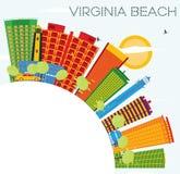 Virginia Beach Skyline con le costruzioni di colore, il cielo blu e la copia S Fotografia Stock Libera da Diritti