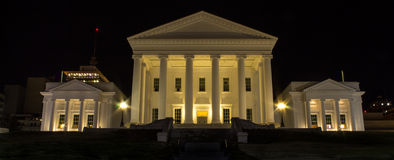Virginia State Capitol na noite fotos de stock royalty free