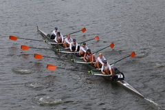 Virginia University Rowing corre nella testa del campionato Eights di Charles Regatta Women Fotografia Stock Libera da Diritti