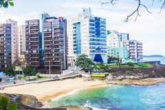 Virtudes海滩, Guarapari, EspÃrito Santo状态,巴西 免版税库存照片