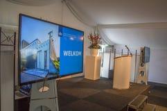 Virtuele Presentatie bij Almere-Nederland 2018 Het openen na zich het bewegen van Utrecht aan Almere-Stadsnederland royalty-vrije stock afbeelding