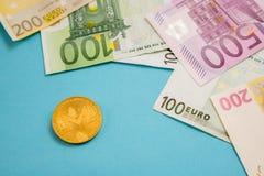 Virtuell, Investition, Bargeld, Gesch?ft, elektronisch, W?hrung, Euro, M?nze, Wirtschaft, digital, Bankwesen, Bank, finanziell, Z stockfotos