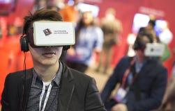 Virtuell verklighet eller ökade apparater Arkivfoton