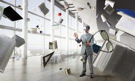 Virtuell verkligheterfarenhet framtida teknologier Blandat massmedia royaltyfri bild