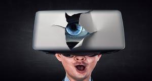 Virtuell verkligheterfarenhet och teknologier av framtiden Blandat massmedia royaltyfria foton