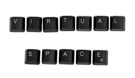 VIRTUELLES RAUM-Zeichen geschrieben auf eine Tastatur Stockbilder
