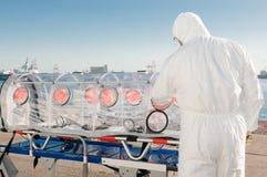 virus för man för alarmambulansunderlag kärn- Royaltyfri Foto