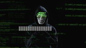 Virus professionnel de chargement de pirate informatique et information secrète de copie, accès accordé clips vidéos