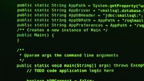 Virusatack Kod för några programmerare i grön färg på den svarta skärmen stock video