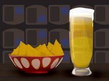 Virutas de la cerveza y de tortilla foto de archivo libre de regalías