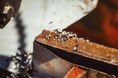 Virutas del hierro en el taller fotografía de archivo