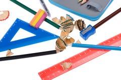 Virutas del lápiz con la herramienta de la escuela Foto de archivo libre de regalías