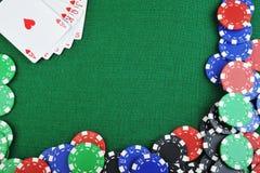 Virutas para los gamblings y las tarjetas Fotografía de archivo libre de regalías