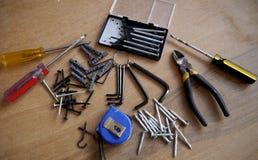 Vis de boîte à outils de tournevis d'outil de marteau Image stock