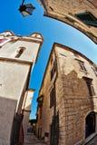 Vis-oog mening van de oude stad op hemelachtergrond royalty-vrije stock foto's
