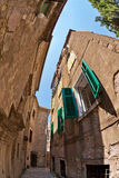 Vis-oog mening van de oude stad op hemelachtergrond royalty-vrije stock afbeelding