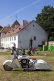 Visa motorcyklar NARVABIKE i territoriet av fästningen av Juli 18, 2010 i Narva, Estland Arkivbilder