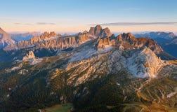 Visa uppifrån av Lagazuoi - Dolomites, Italien Arkivfoto