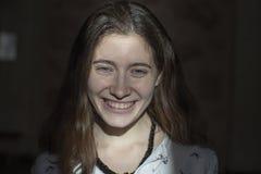 Visage d'émotion Portrait de genre de jeune belle fille images libres de droits