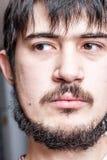 Visage d'homme barbu réfléchi Images libres de droits