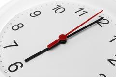 Visage d'horloge montrant le temps fonctionnant à six Image libre de droits