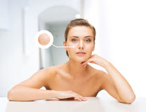 Visage de femme avec la peau sèche Images libres de droits