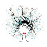 Visage de fille, coiffure florale Image stock
