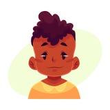 Visage de petit garçon, expression du visage neutre Image stock