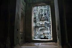 Visage de pierre de Bouddha au temple de Bayon à Angkor Thom images libres de droits