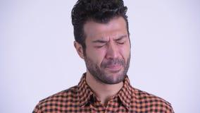 Visage de pleurer persan barbu triste d'homme de hippie banque de vidéos