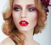 visage De schitterende vrouw met Professionele Avond maakt omhoog stock afbeelding