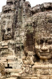 Visage en pierre sur le temple de Bayon chez Angkor Thom, Cambodi Photographie stock