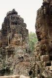 Visage en pierre sur le temple de Bayon chez Angkor Thom, Cambodi Photographie stock libre de droits