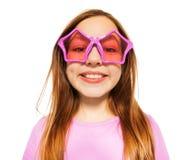 Visage heureux de fille en verres avec des cadres d'étoile Photos libres de droits