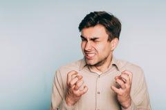 Visage incontrôlable d'homme de désespoir d'abandon de colère photo libre de droits