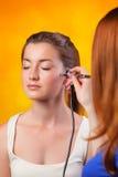 Visagist, das Make-up macht Lizenzfreie Stockbilder