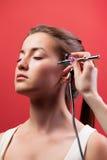 Visagist, das Make-up macht Stockfoto